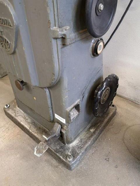 Ленточнопильный станок по металлу - вертик. NASSOVIA MT 18 фото на Industry-Pilot
