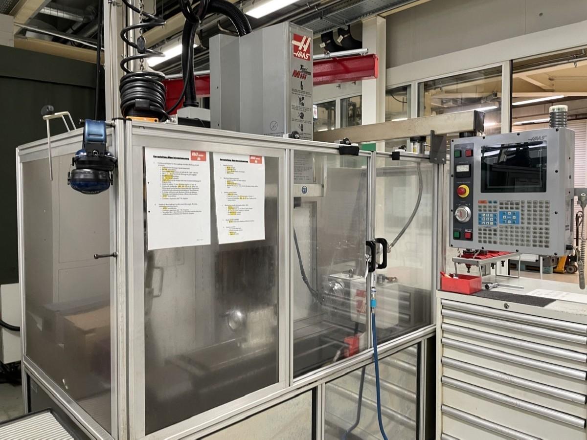 Обрабатывающий центр - вертикальный HAAS TM-1HE фото на Industry-Pilot