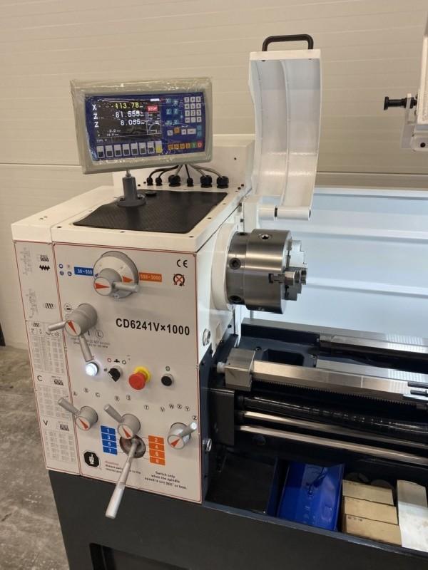 Токарно-винторезный станок ToRen CD 6241 x 1000 VARIO фото на Industry-Pilot