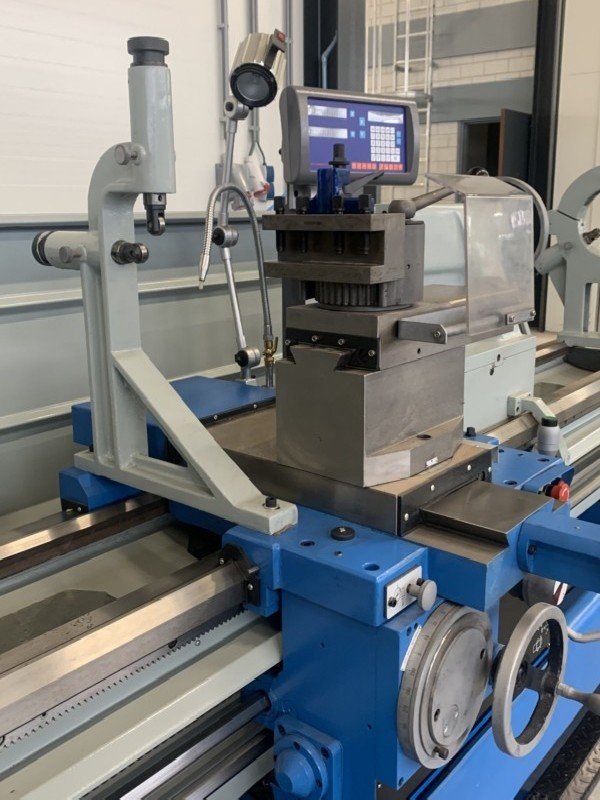 Токарно-винторезный станок ToRen C6280 x 2000 фото на Industry-Pilot