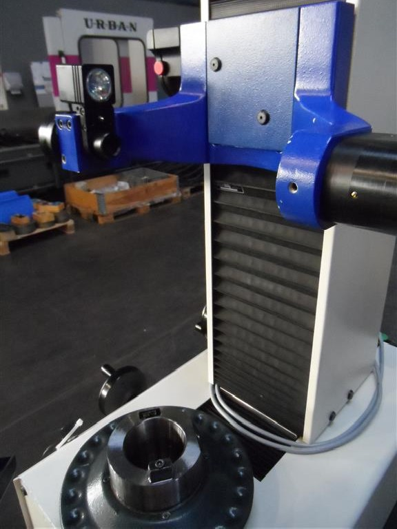 Устройство для предварительной настройки и измерения инструмента Zoller Junior фото на Industry-Pilot