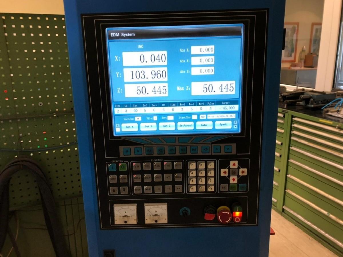 Электроэрозионный станок KNUTH ZNC EDM 435 L фото на Industry-Pilot