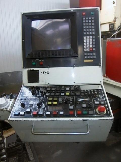 Обрабатывающий центр - вертикальный HURON BX II фото на Industry-Pilot