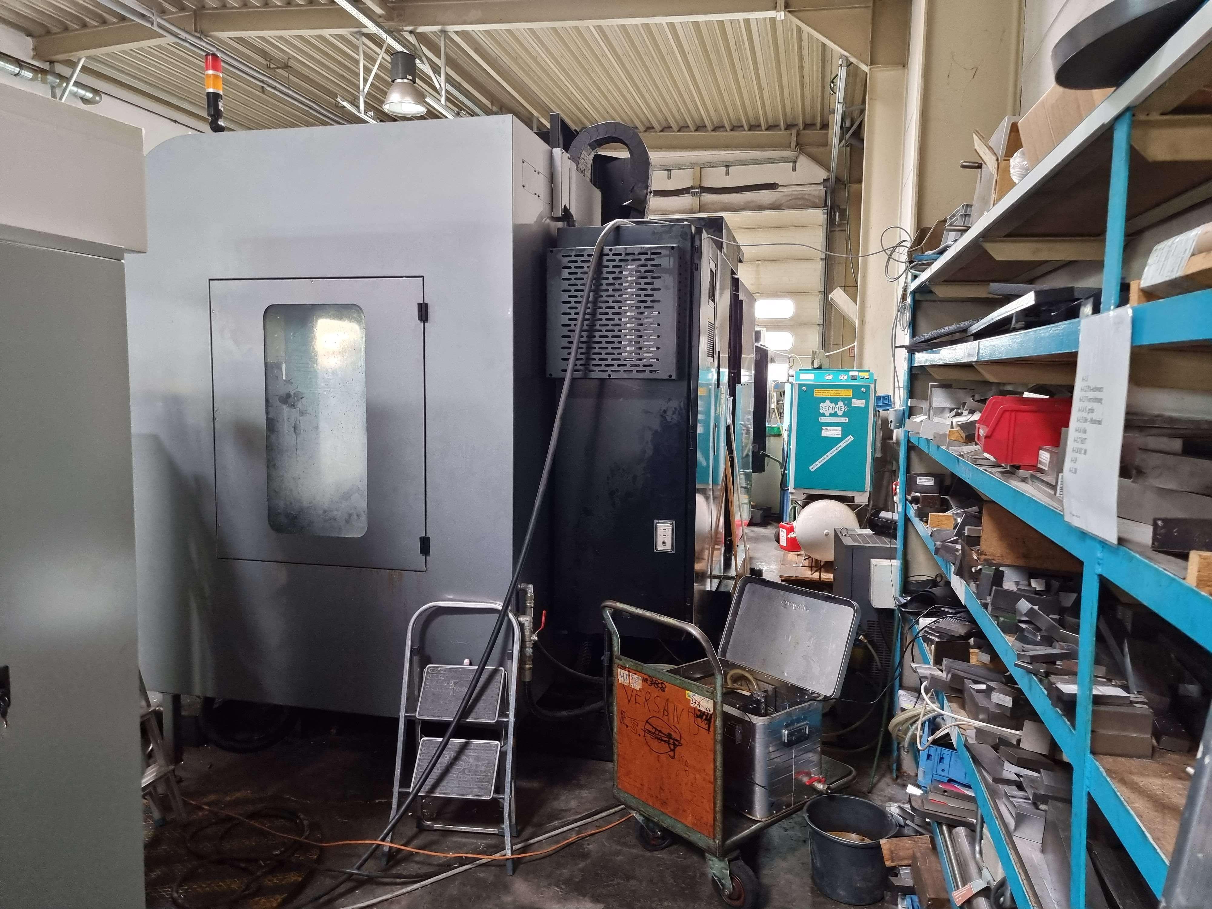 Обрабатывающий центр - вертикальный HURCO VMX 60i фото на Industry-Pilot