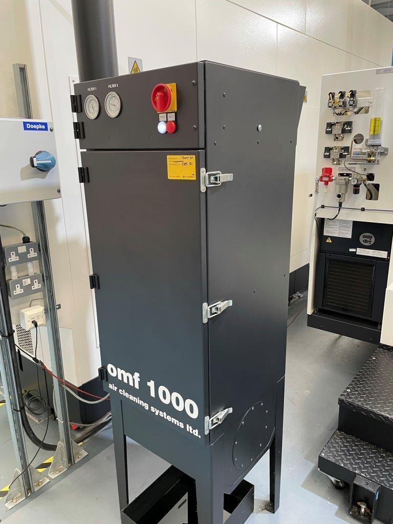 Обрабатывающий центр - универсальный MAZAK Modell VTC-800/30SR фото на Industry-Pilot