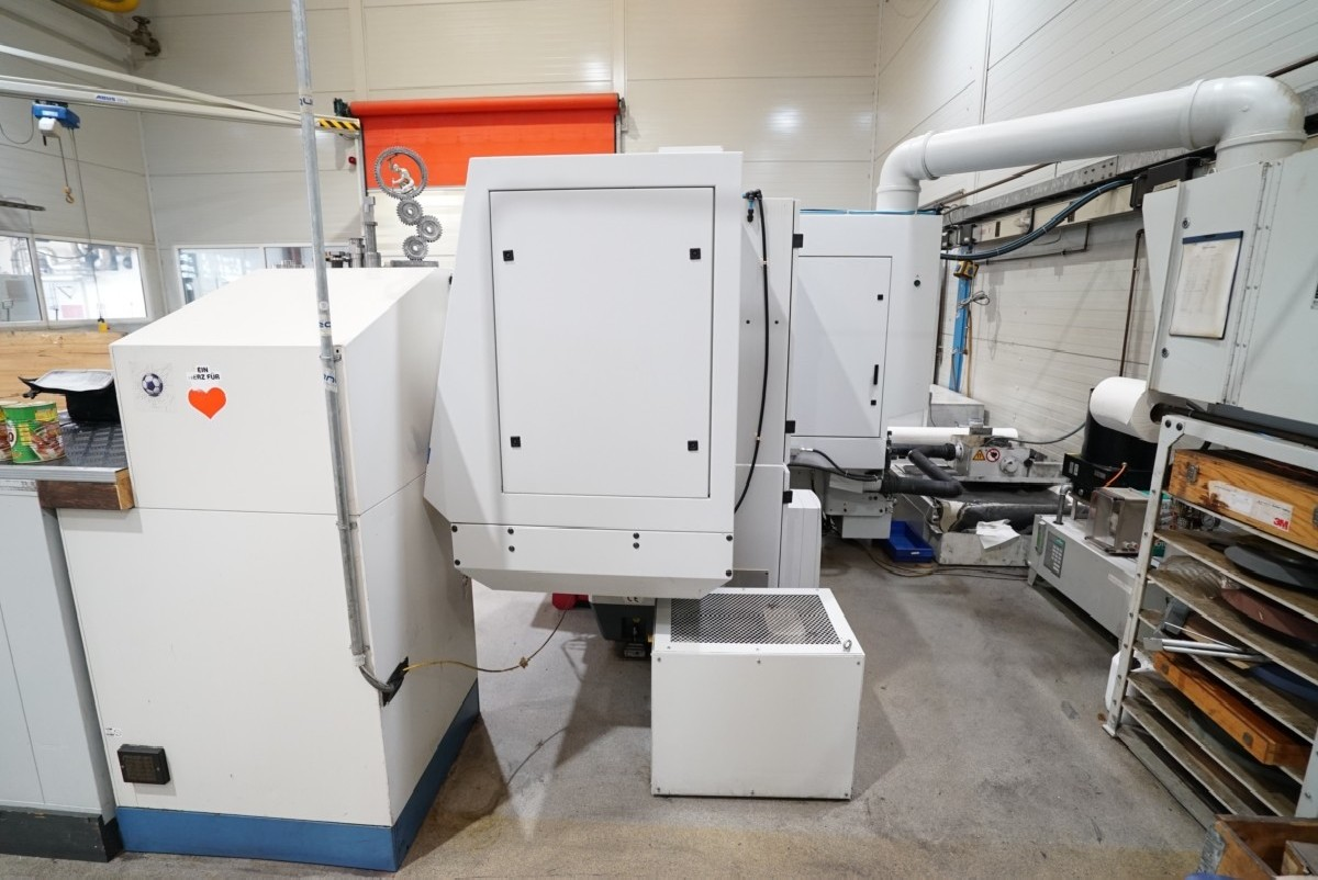 Cylindrical Grinding Machine - Universal STUDER S40 photo on Industry-Pilot