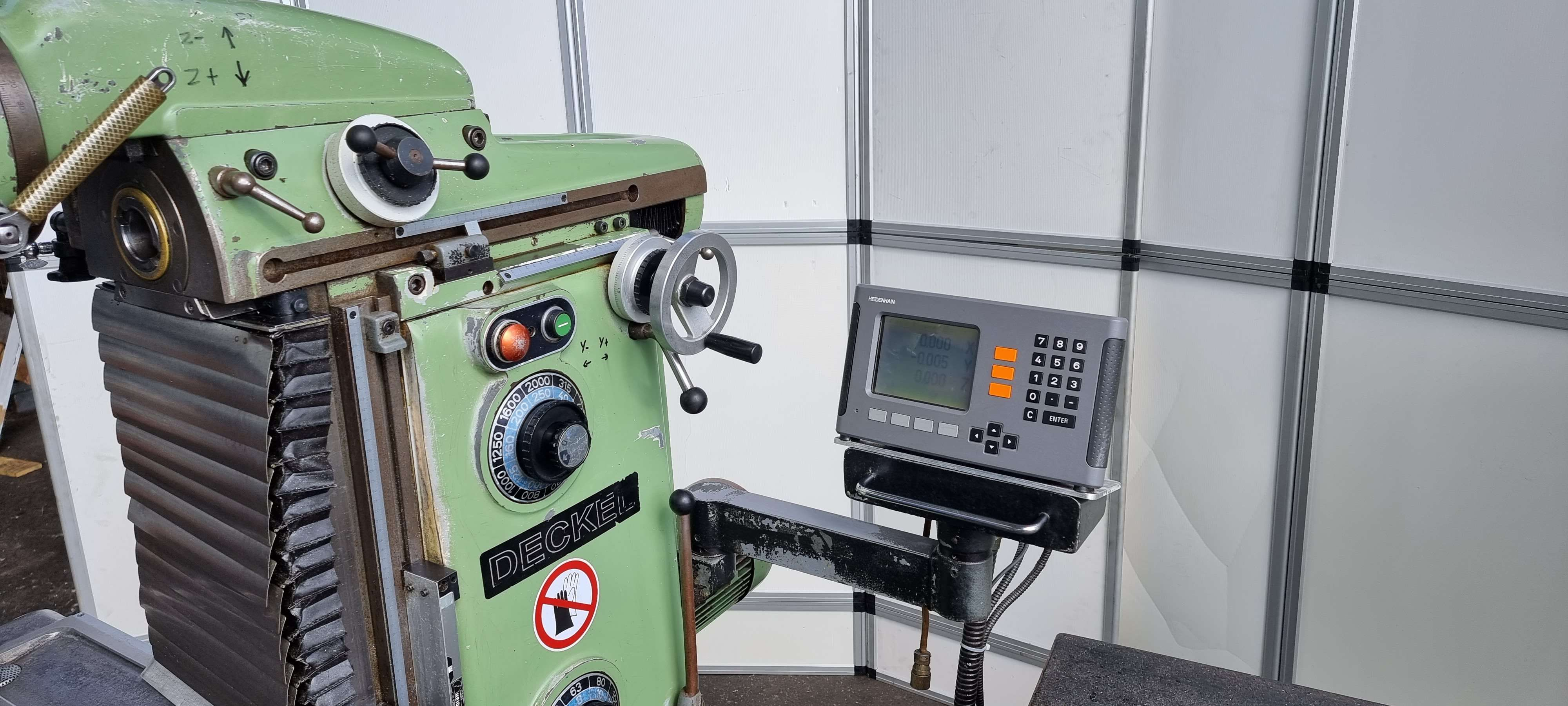 Фрезерный станок - универсальный Deckel FP 2 фото на Industry-Pilot