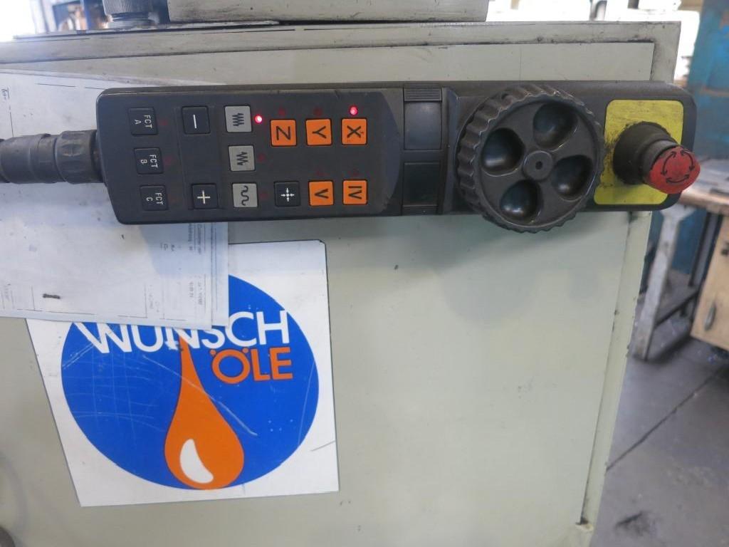 Обрабатывающий центр - универсальный ANAYAK VH 1800 фото на Industry-Pilot