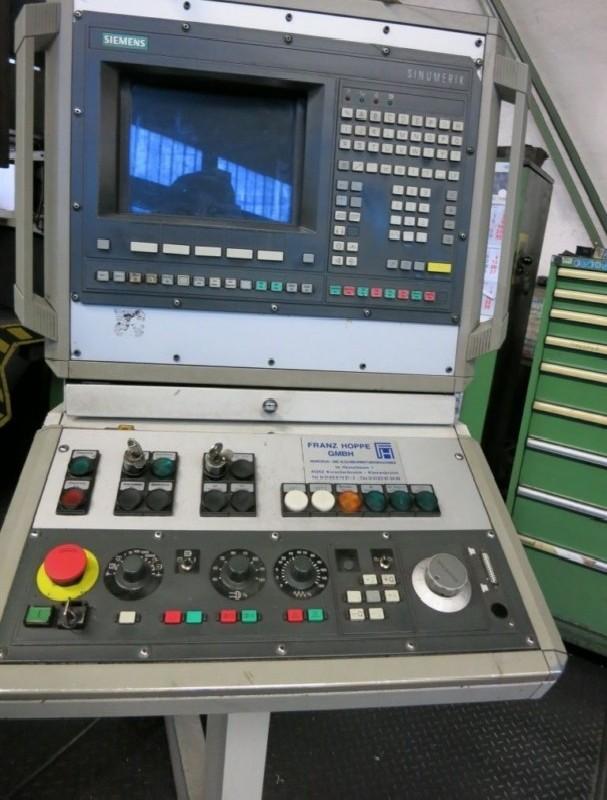 Карусельно-токарный станок одностоечный TOS SKQ12 фото на Industry-Pilot
