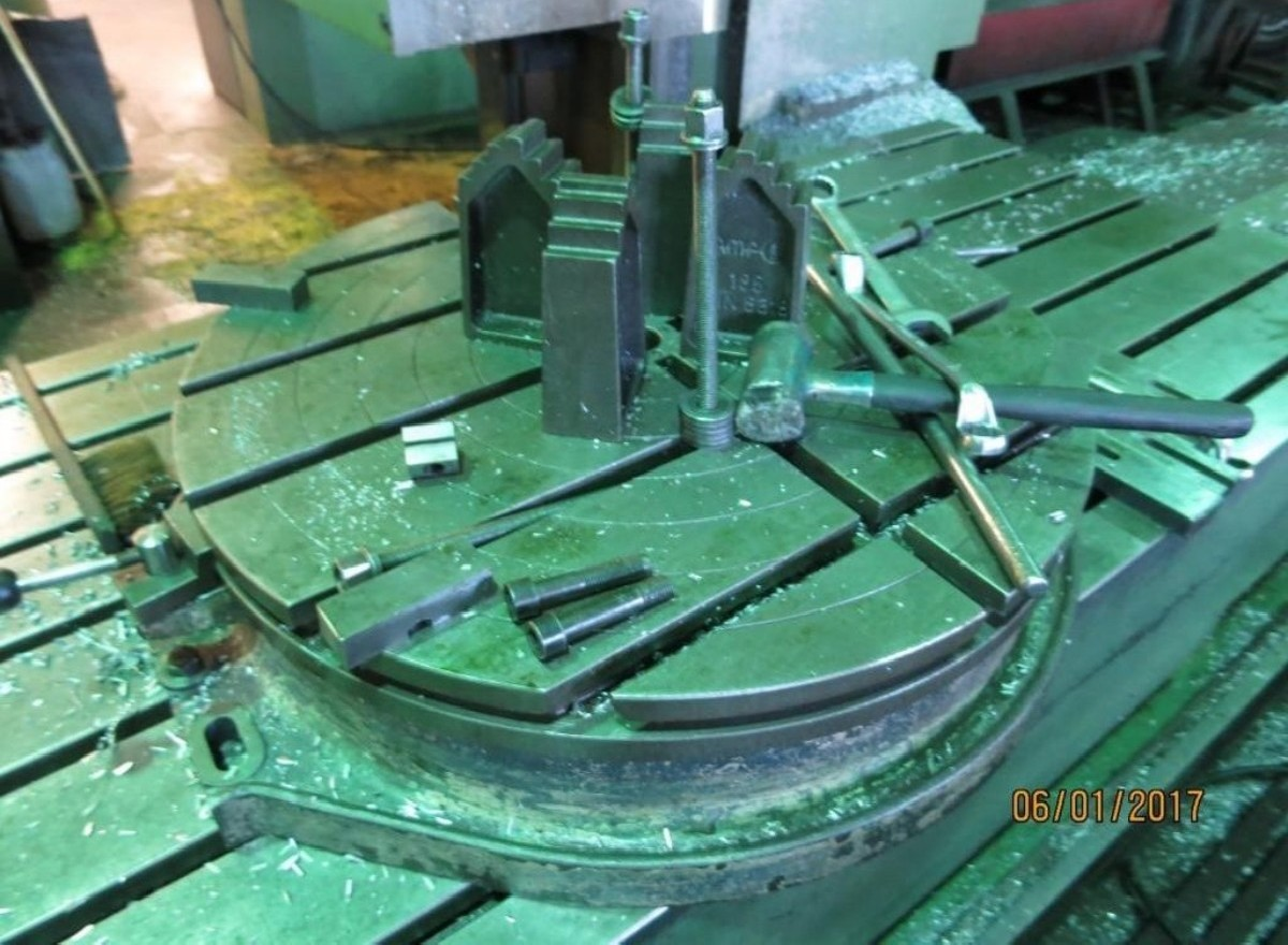 Продольно-фрезерный станок - универсальный ZAYER KF5000CNC фото на Industry-Pilot