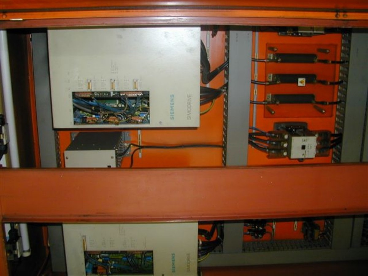 Фрезерный станок с подвижной стойкой BUTLER-NEWALL LE  20.000 фото на Industry-Pilot