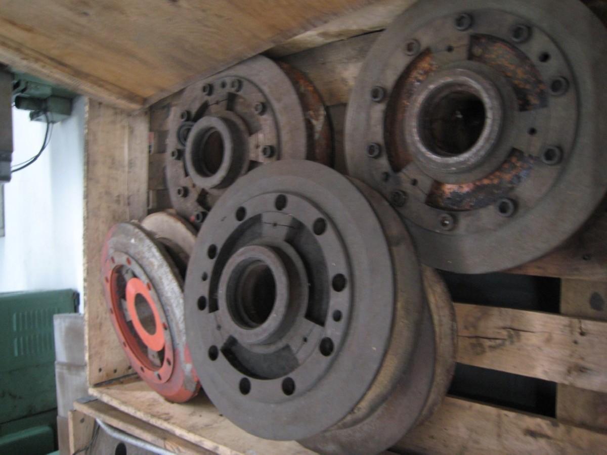 Станок для шлифования распределительных валов NAXOS-UNION Km630-3250 фото на Industry-Pilot