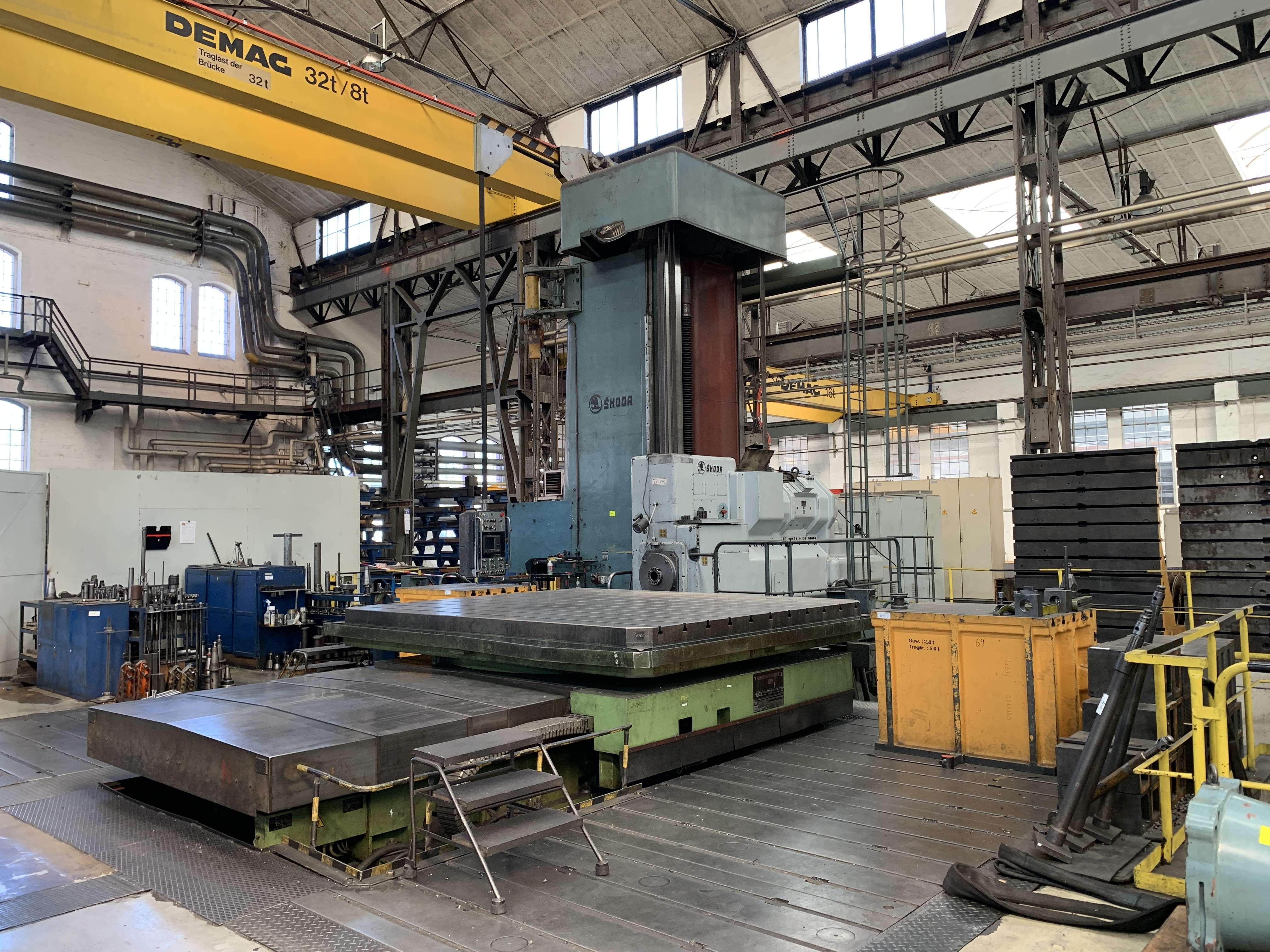 Горизонтальный расточный станок с неподвижной плитой - пиноль SKODA W 200 HC 3000x3500 mm фото на Industry-Pilot