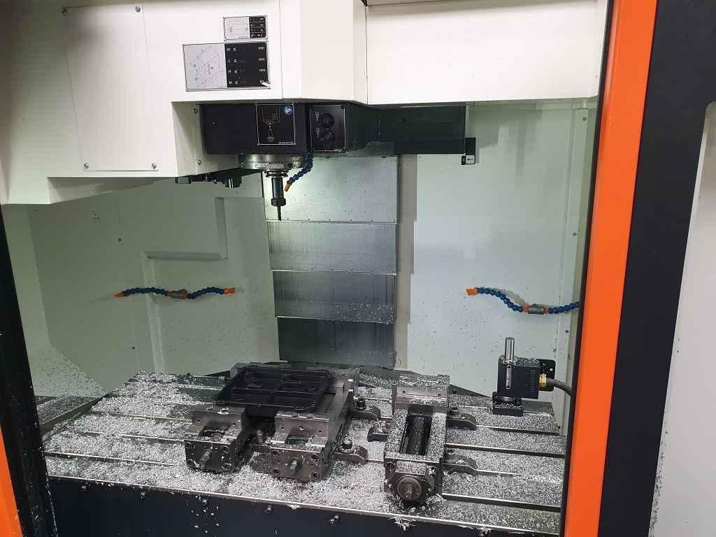 Machining Center - Vertical Mazak VCS 530  фото на Industry-Pilot