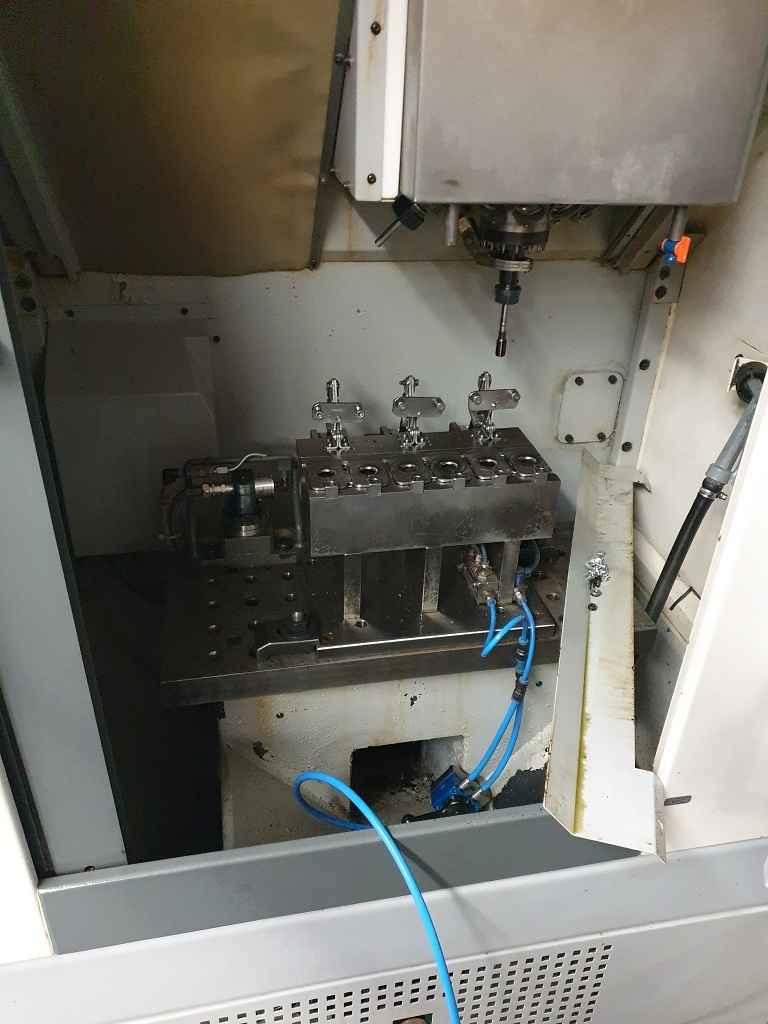 Обрабатывающий центр - вертикальный CHIRON FZ 08 S 2008 фото на Industry-Pilot