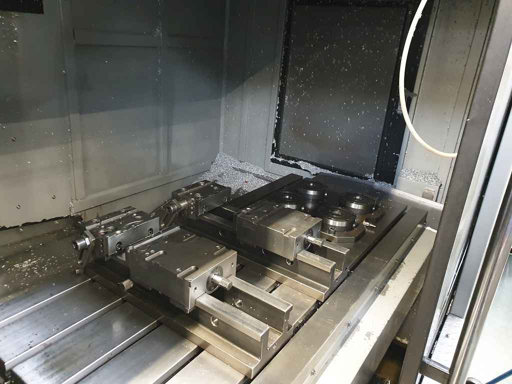 Machining Center - Vertical Toyoda FV 1350 photo on Industry-Pilot