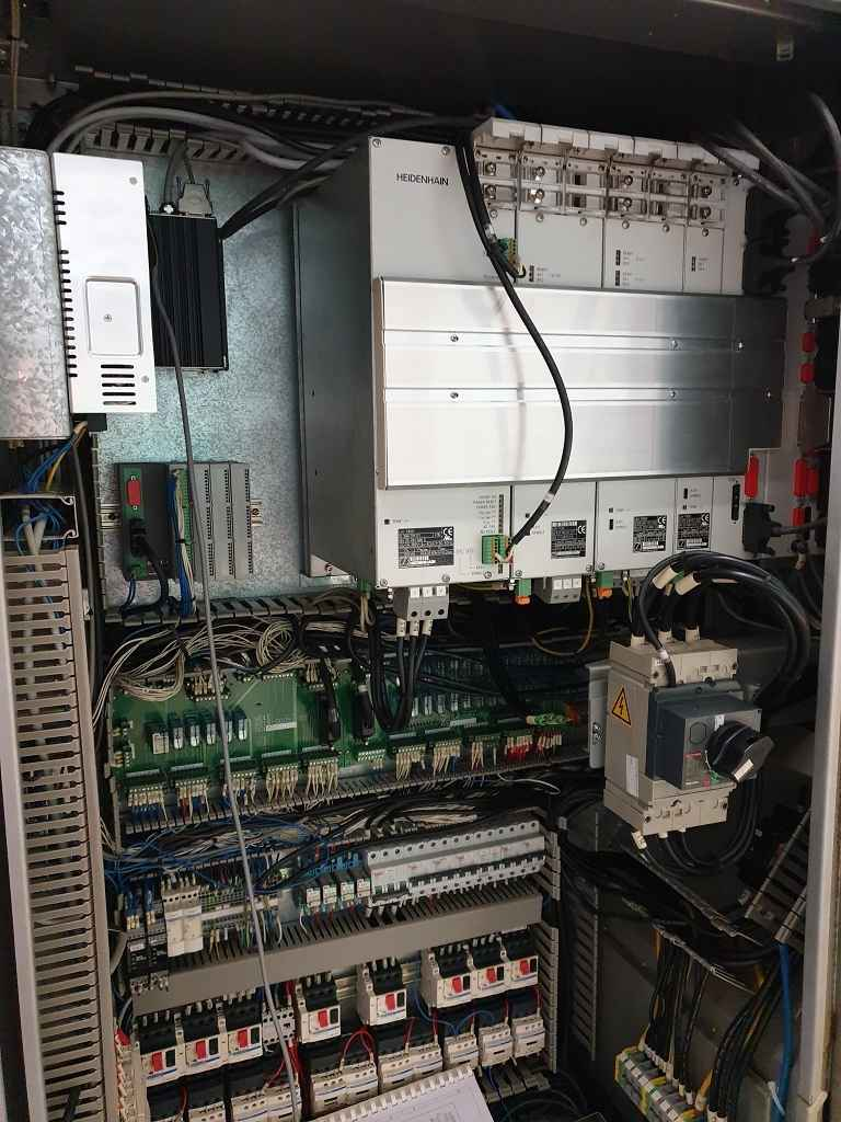 Обрабатывающий центр - вертикальный Toyoda FV 1350 фото на Industry-Pilot