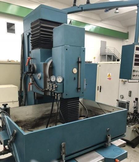 Cavity Sinking EDM Machine TECNOSPARK A 500 photo on Industry-Pilot