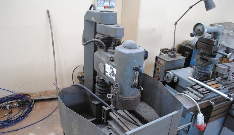 Internal and Face Grinding Machine DELTA / фото на Industry-Pilot