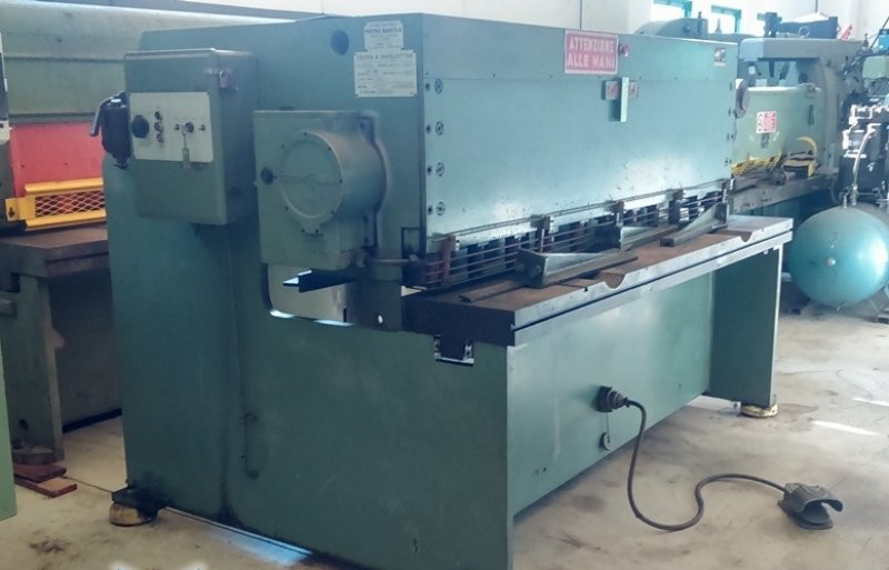 Hydraulic guillotine shear  BARIOLA CBN 14 фото на Industry-Pilot