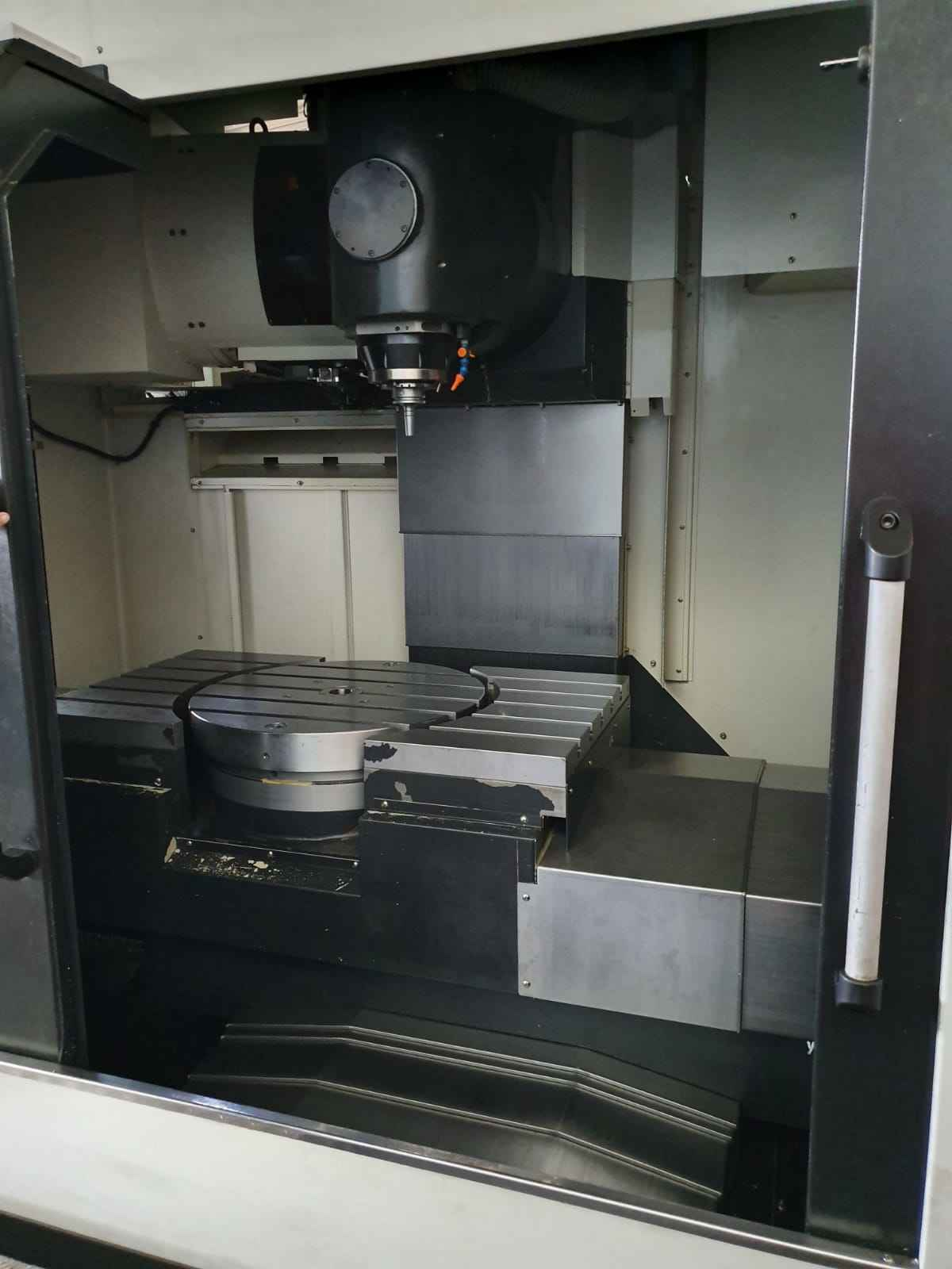 Milling Machine - Universal Universal Fräsmaschine Eumach HSM-5XC photo on Industry-Pilot