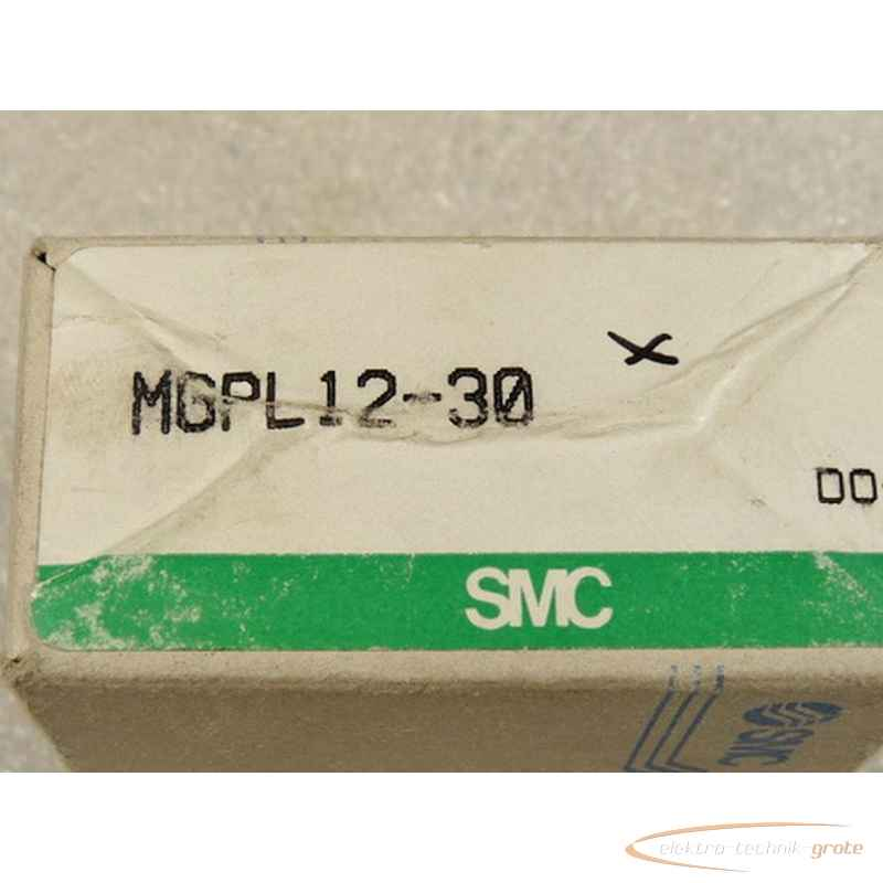 SMC  MGPL 12 - 30 Kompaktzylinder mit Führung - ungebraucht - in OVP фото на Industry-Pilot