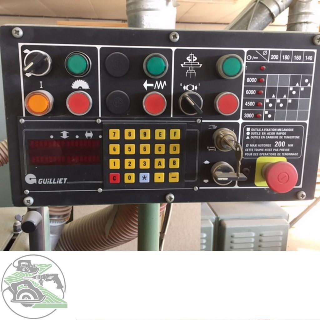 Фрезерный станок с вертикальным шпинделем Guilliet Tischfräse Typ QFP фото на Industry-Pilot