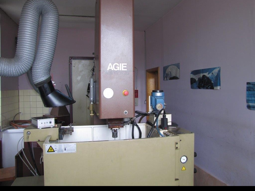Cavity Sinking EDM Machine AGIE CHARMILLES AT 3 U фото на Industry-Pilot