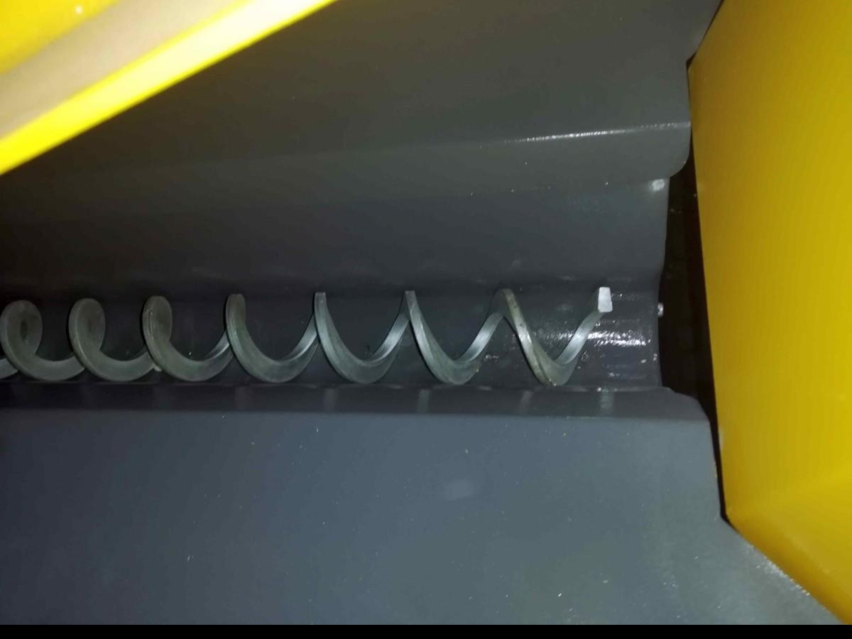 Ленточнопильный станок по металлу - гориз. полуавтоматический KM Kesmak KSY 1100 x 1300 фото на Industry-Pilot