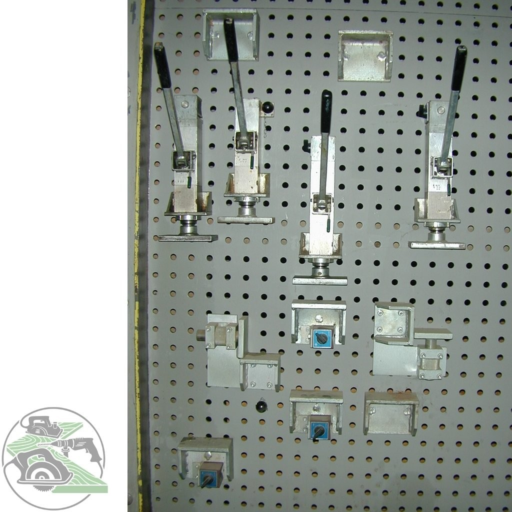 Hole plate press Hess Universal-Lochplattenpresse Typ Multipress photo on Industry-Pilot