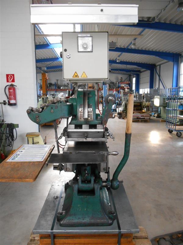 Hot stamping and embossing press Tischprägepresse Mansfeld PR photo on Industry-Pilot