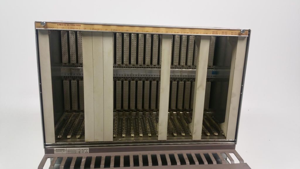 Siemens Simatic S5 Zentralgerät 6ES5188-3UA11 6ES51883UA11 E Stand 1 фото на Industry-Pilot