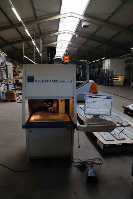 Обрабатывающий центр листового металла Vektormark фото на Industry-Pilot