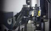 Обрабатывающий центр - вертикальный HYUNDAI WIA KF760BM фото на Industry-Pilot