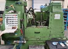 Gearwheel hobbing machine vertical PFAUTER P 900 Modul 10 photo on Industry-Pilot