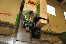 Обрабатывающий центр - вертикальный AXA VSC 1 - M фото на Industry-Pilot