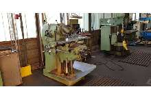 Knee-and-Column Milling Machine - univ. Schaublin - 53 700 mm