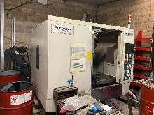 Обрабатывающий центр - вертикальный AKIRA SEIKI PC 700 купить бу