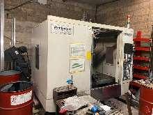 Обрабатывающий центр - вертикальный AKIRA SEIKI PC 700 фото на Industry-Pilot
