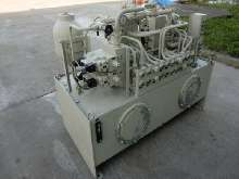 Гидравлический агрегат Hydraulikaggregat mit Tank PAGUS Pumpe: ORSTA, SACHSENHYDRAULIK GmbH PE15-55/16.0-RH3L Motor: VEM K11R 132 M4 ( K11R 132 M4 ) Tank: ca. 350 l gebraucht, geprüft ! Hydraulikaggregat 7,5 kW купить бу