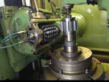 Gearwheel hobbing machine vertical PFAUTER P 630 PLC photo on Industry-Pilot